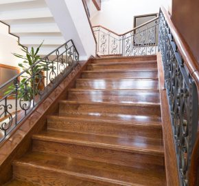 nettoyer son escalier en bois
